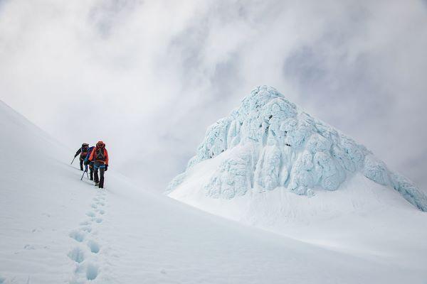 Winter Taranaki summit